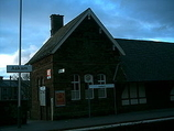Wikipedia - Askam railway station