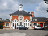 Wikipedia - Hatch End railway station