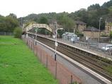 Wikipedia - Hillfoot railway station