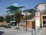 Wikipedia - Imperial Wharf railway station