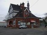 Wikipedia - Kingswood railway station