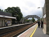 Wikipedia - Lenzie railway station