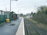 Wikipedia - Llangadog railway station