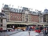 Wikipedia - London Victoria railway station