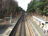 Wikipedia - Longcross railway station