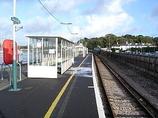 Wikipedia - Lymington Pier railway station