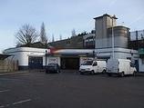 Wikipedia - Malden Manor railway station