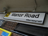Wikipedia - Manor Road railway station