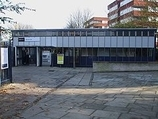 Wikipedia - Maze Hill railway station