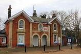 Wikipedia - Mistley railway station