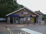 Wikipedia - Barnehurst railway station