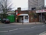 Wikipedia - New Malden railway station