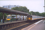 Wikipedia - Oxted railway station