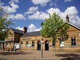 Wikipedia - Penge East railway station