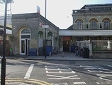Wikipedia - Acton Central railway station