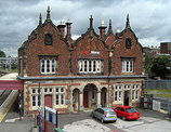 Wikipedia - Stone railway station