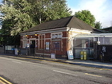 Wikipedia - Stonebridge Park railway station