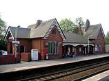 Wikipedia - Widnes railway station
