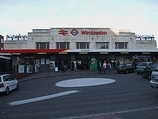 Wikipedia - Wimbledon railway station