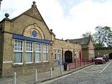 Wikipedia - Bingley railway station