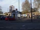Wikipedia - Woolwich Dockyard railway station