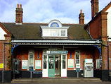 Wikipedia - Carshalton railway station