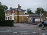 Wikipedia - Chiswick railway station