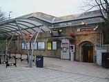 Wikipedia - Clapham High Street railway station