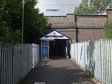 Wikipedia - Crews Hill railway station
