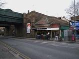 Wikipedia - Earlsfield railway station