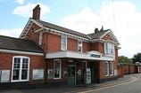 Wikipedia - Earlswood (Surrey) railway station