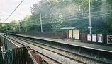 Wikipedia - Flowery Field railway station